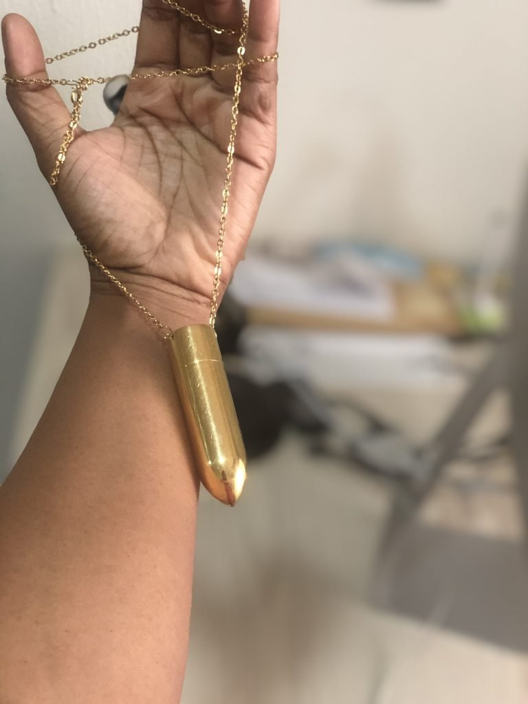 What the necklace 10 speeds bullet vibrator looks like